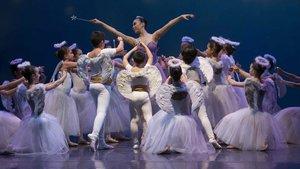 Un momento de la representación del Cascanueces a cargo del Ballet de Catalunya