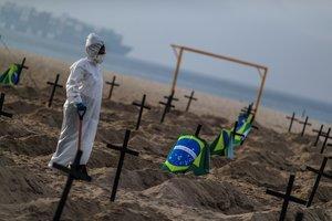 Brasil es el segundo país del mundo, por detrás de EE.UU, más golpeado por la pandemia.