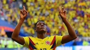 Yerry Mina celebra uno de los dos goles que lleva en este Mundial