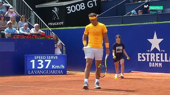Rafael Nadal, camino de su victoria.