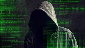 Imagen simulada de un pirata informático.