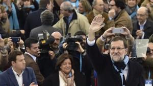 El presidente del Gobierno y candidato a la reelección, Mariano Rajoy, este domingo en un mitin en Las Rozas (Madrid)