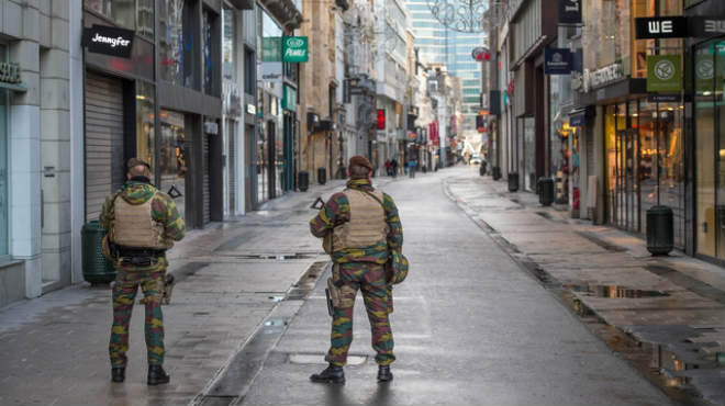 Bruselas empieza la semana paralizada