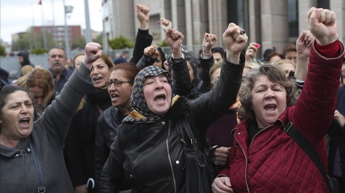 Protesta opositora en Estambul, en abril.