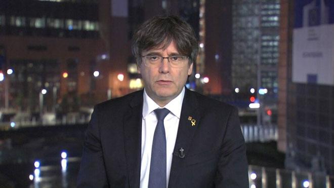 Puigdemont: «Volen penjar-me l'etiqueta de terrorista i facilitar l'euroordre»