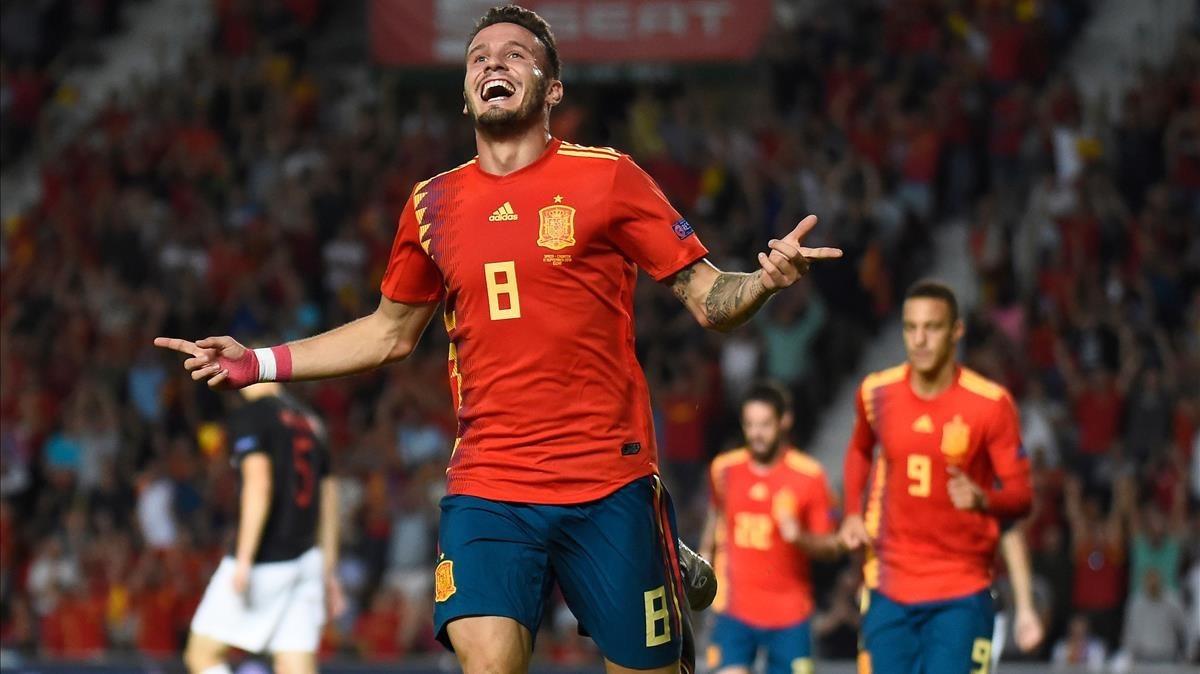 Saúl celebra el primer gol de España.