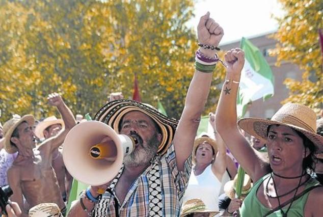 Sánchez Gordillo, en una marcha del sindicato agrario SAT, en Córdoba.