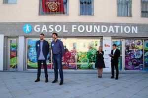 Els germansGasol, en la inauguracióde la nova seu de la seva fundació aSant Boi.