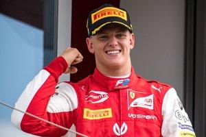 Primera victòria del fill de Schumacher a la F-2