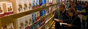La sección de novedades de la librería de unaFnac, en Barcelona.