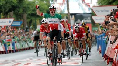 Viviani se lleva la gloria de la Vuelta a España, en la condena de los modestos