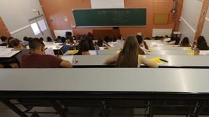 Pruebas de acceso a la universidad en las instalaciones de la UPC en Barcelona.