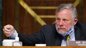 El senador republicano Richard Burr, durante una sesión en el Senado el pasado 5 de mayo.