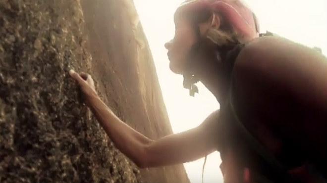 Sopa de Cabra rinden homenaje al espíritu de superación, en el clip de la canción Sense treva.