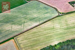 La silueta de una granja romana enCaerwent, al sur de Gales.