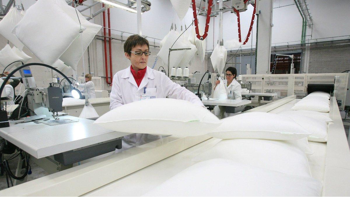 Imagen de archivo de una fábrica de producción textil en Valls (Tarragona).