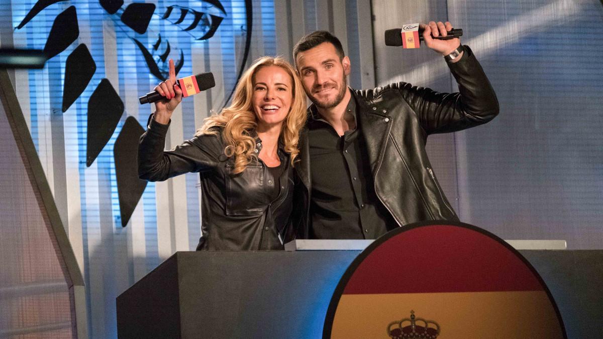 Paula Vázquez y Saúl Craviotto, en una imagen de Ultimate beastmaster.