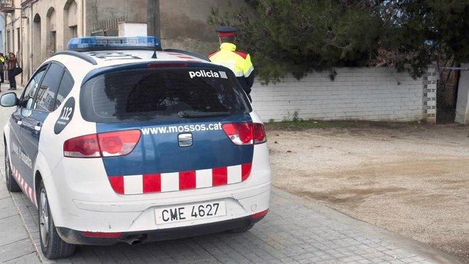 Una patrulla de los Mossos en Figueres, en una imagen de archivo.