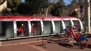 Uno de los 45 módulos de E-Bicibox, en Esplugues de Llobregat