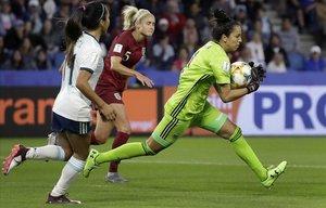 Vanina Correa, durante el partido de Argentina contra Inglaterra.