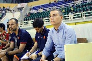Fotografía de Miguel Rodrigo, junto al preparador Sisniega y el entrenador de porteros García.