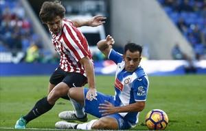 Yeraypugna con Jurado en la visita del Athletic al Espanyol el pasado mes de noviembre.