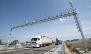 Trànsit instal·la un radar de tram a l'AP-7 entre Santa Perpètua i Mollet