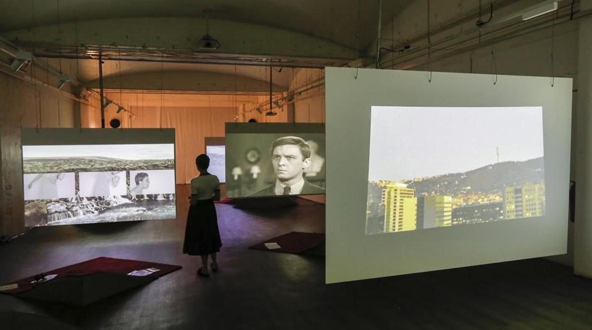 Exposición 'Under Loop', en el espacio que ocupaba el antiguo Cine Avenida de la Luz.