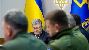 El presidente ucraniano con los altos cargos del Ejército.