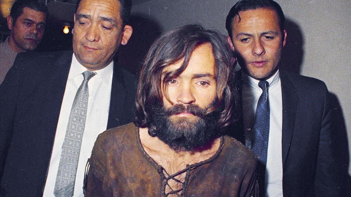 Manson, tras ser detenido, en octubre de 1969.