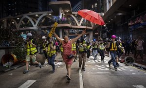 Hong Kong deté 14 activistes per organitzar protestes no autoritzades