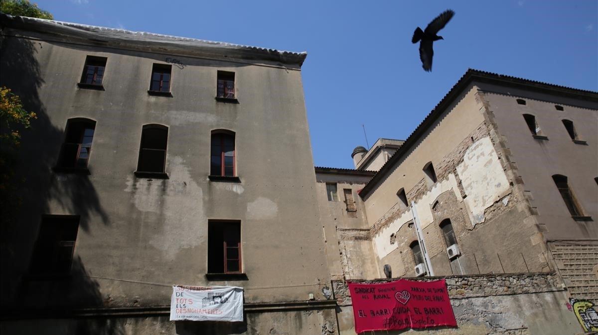 Sede de la vieja Massana, okupadapor el Sindicat d'Habitatge del Raval.