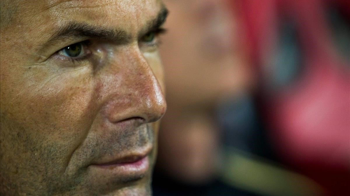 Zidane, en Son Moix durante el duelo con el Mallorca.
