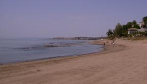 Apareix en una platja de Marbella el cadàver d'una dona