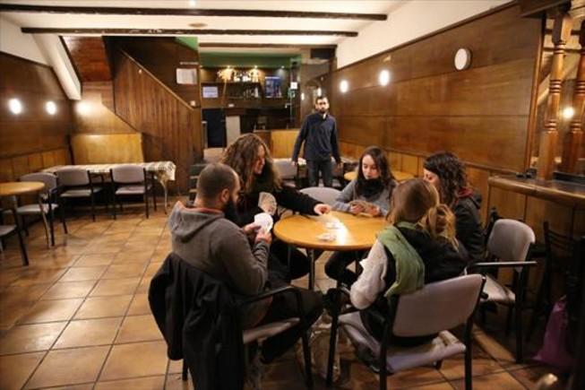 Punto de encuentro 8Jóvenes de Horta en el Bloc 17, el martes.