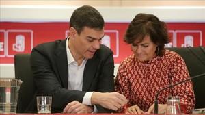 Pedro Sánchez y Carmen Calvo, el pasado 12 de enero en la sede del PSOE.