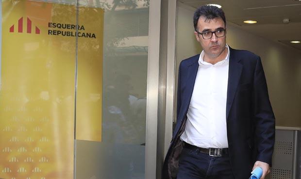 Desagradable conversa entre lexsecretari dHisenda Lluís Salvadó i un altre interlocutor sobre la recerca duna dona per a Ensenyament