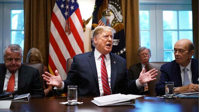 Trump planeja declarar l'emergència nacional per construir el mur