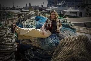 Ada Parellada, en el muelle de pescadores de la Barceloneta, que descubrió de la mano de su amiga escritora Ada Castells.
