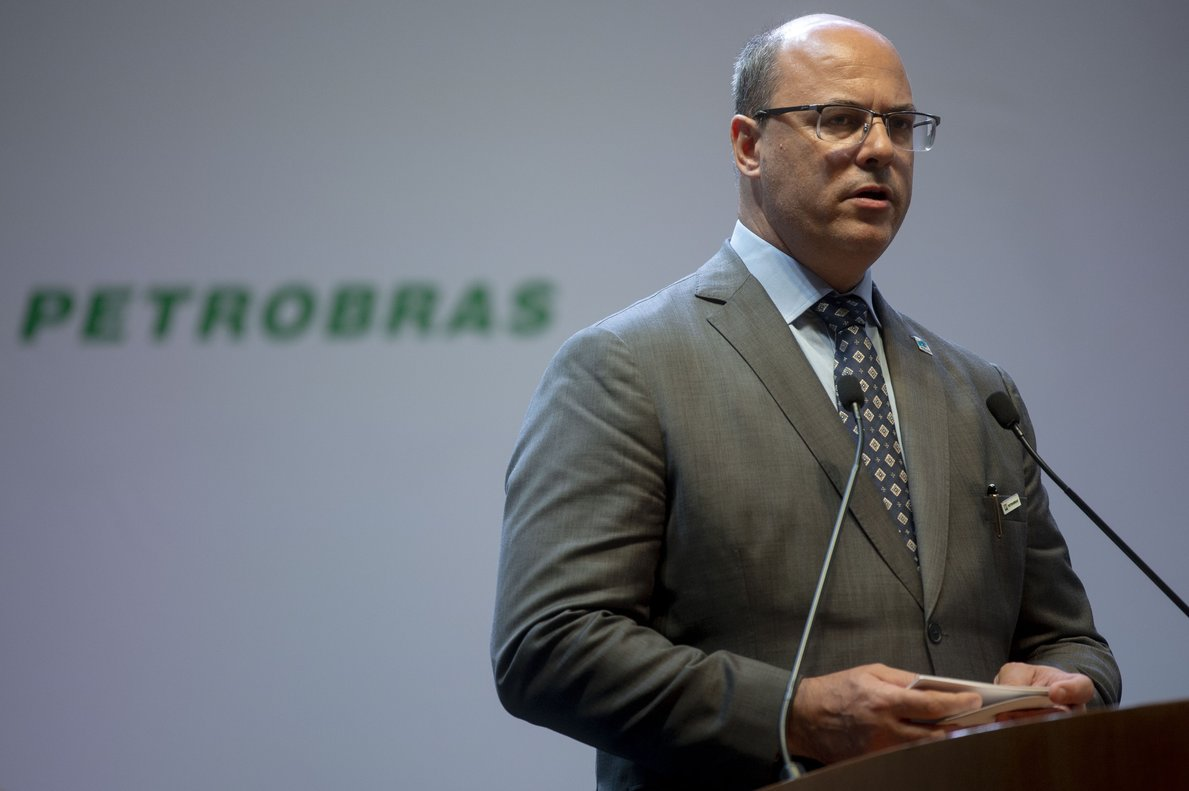 Rio de Janeiro Governor Wilson Witzel arrives at the ceremony where economist Roberto Castello Branco took office as president of the Brazilian oil company Petrobras at the company s headquarters in Rio de Janeiro  Brazil oPhoto by Mauro Pimentel   AFP