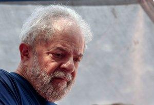 El Tribunal Suprem suspèn el trasllat de Lula a una presó comuna de São Paulo