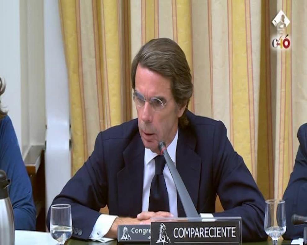 Aznar dice que se siente muy querido por su partido.