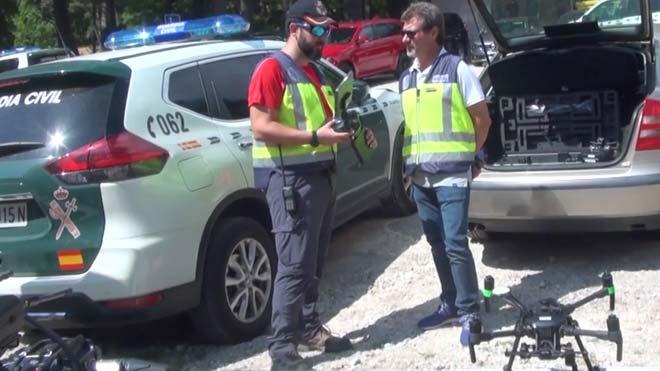 Drones se suman a la búsqueda de Blanca Fernández Ochoa, que se centra en cuevas y hondonadas.