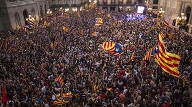Rajoy aborta la declaración de independencia con unas elecciones exprés