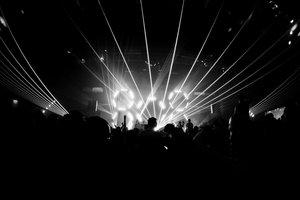 Así es la relación entre la luz de los festivales de música electrónica y los ataques epilépticos
