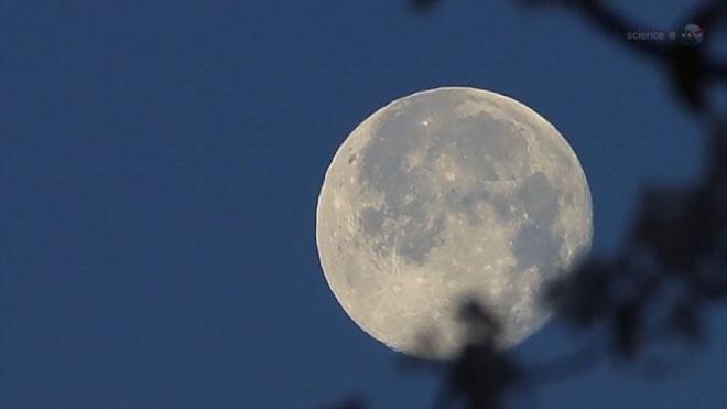 Cuenta atrás para la 'Superluna rosa', la mayor de este año.