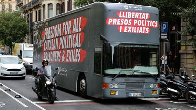 Campaña de Òmnium para explicar la situación de los presos a los turistas