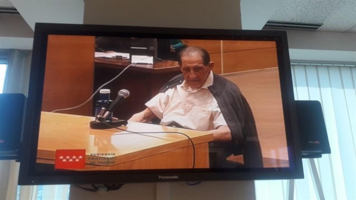 El doctor Vela, en el juicio.