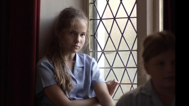 'Juana a los 12': preciso retrato adolescente