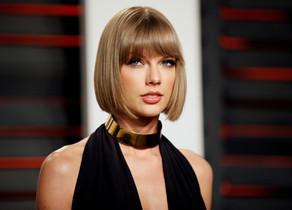 Taylor Swift declara en el juicio que fue abusada sexualmente por un DJ.